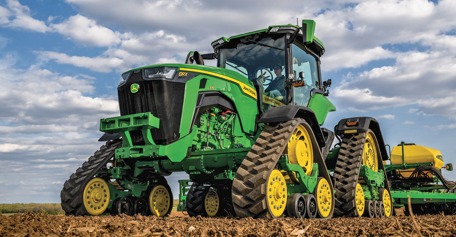 John Deere 8RX tractor received CES innovation award