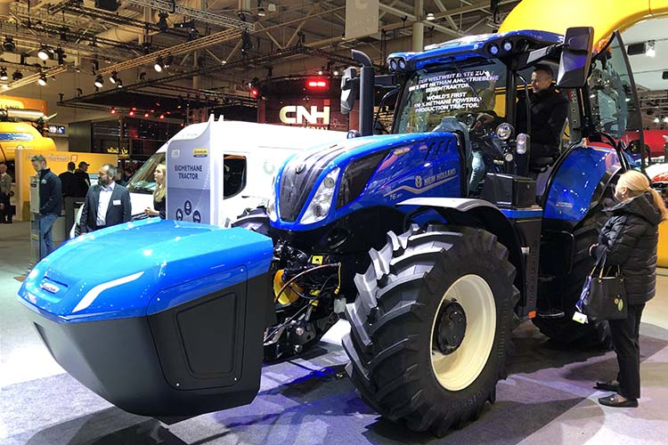 05201279B-SIZED.jpg New Holland Biogas Tractor methane power