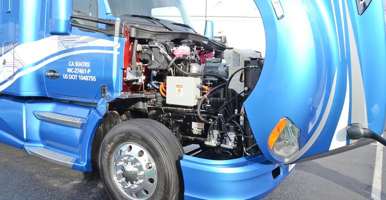 zero-emission Kenworth T680 engine