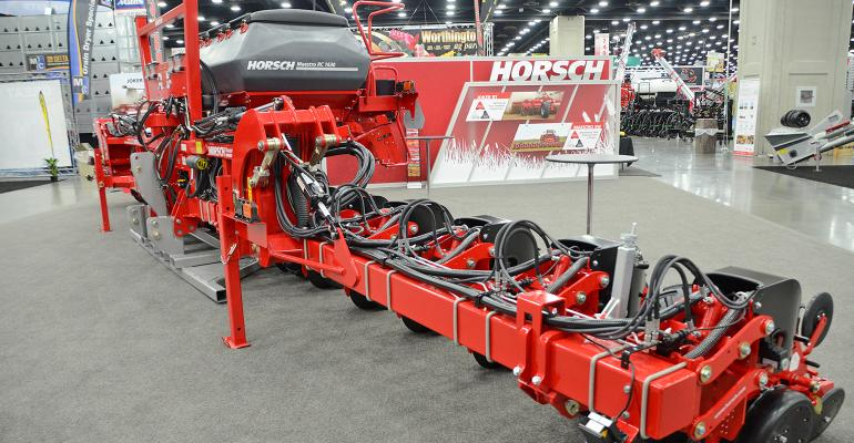 Horsch Maestro RC mounted planter