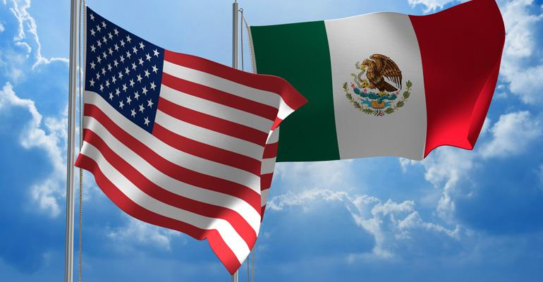 US-Mexico_Flags_GettyImages-480500996-