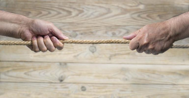 tug-of-war-villorejo-ThinkstockPhotos-2000