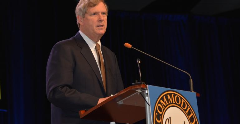 Vilsack addresses Commodity Classic crowd