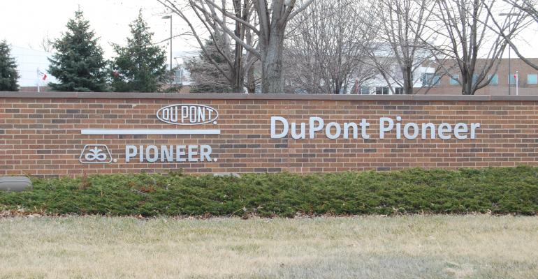 dupont pioneer sign in Iowa