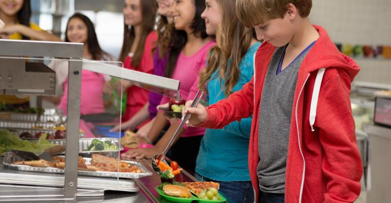 school-cafeteria-lunches-GettyImages-174960201.jpg