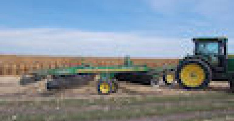 Some 4,000 Visitors See Deere Vertical Tillage Debut