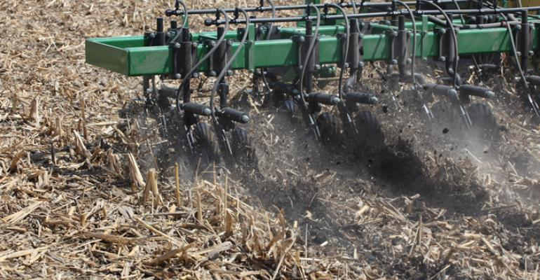 Makers of nutrient applicators say their coulter-only systems are giving knives a run for their money