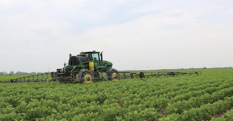 Micah Rone of Portageville Mo sprayed a tank mix of glyphosate dicamba and an antidrift agent on a 400acre production field of Roundup Ready to Xtend soybeans ldquoIf you adhere to the application requirements and know your farm this system will kill weeds that have been a headache for five years and control them better than original Roundup didrdquo he says