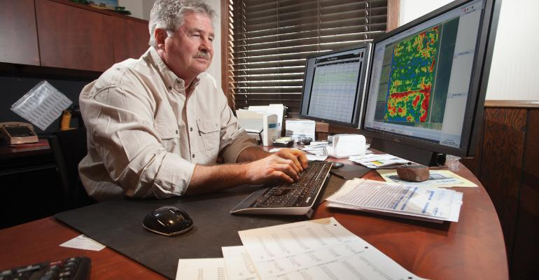 Longtime data wizard Gary Wagner Crookston Minn always uses at least two data layers to diagnose agronomic problems Here he compares a yield map to ldquoasappliedrdquo data