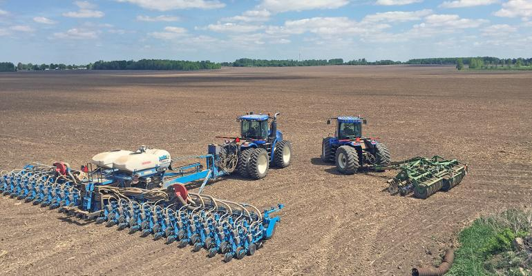 Marty Derks precisionplacement twinrow planter lets him adjust his seed planting rate up corn or down soybeans with full confidence 99 singulation will maximize opportunity for every seed