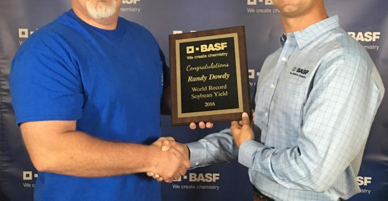 Georgia producer sets new world soybean yield record