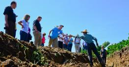 a group attneing the CTIC tour on soil and water conservation