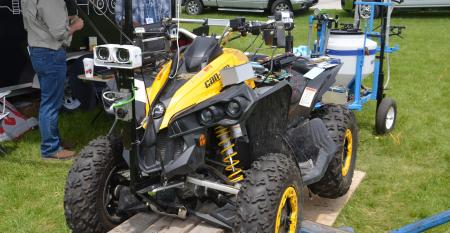autonomous machine that weeds and feeds cornfields